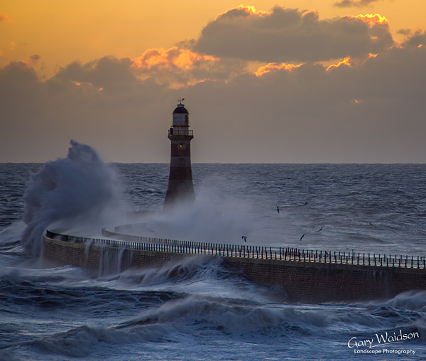 Dawn, Roker-Light 22nd January 2007. Landscape photography by Gary Waidson.